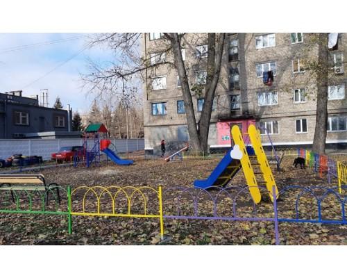 Ігровий та спортивний майданчики в сквері по вул. Черкасова